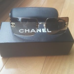 Accessories - Chanel sunglasses